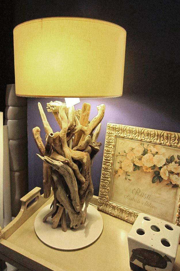 Lampada realizzata con rami di recupero di Blue Nature. www.valterpisati.it