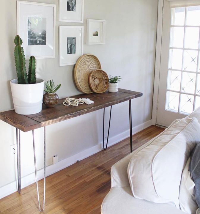 Pin legged table is a must have for all your extra stuff. Use it for almost anything you want. Place planters books or artifacts etc. Picture via @thebungalowonbennett #table #tabledecor #tablesetting #pin #leg #table #decor #interiordesign #interiors #inspiration #manly #melbourne #sydney #india #people #multipurpose #utility #bar #stylegram #tagsforlikes #tflers #followforfollow #shoponline #buyonline #decor8or_online http://ift.tt/2n1ItXR