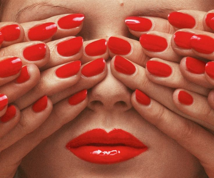 Vogue Paris, May 1970 © The Guy Bourdin Estate, 2014