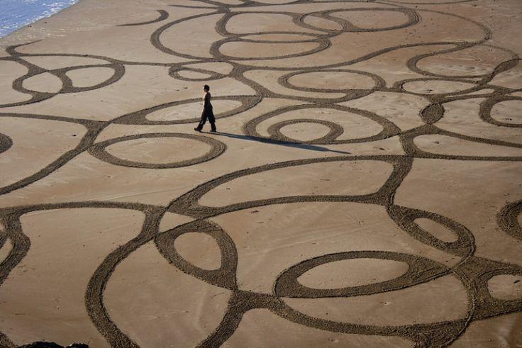 Geometric Beach Art by Andres Amador - JOQUZ