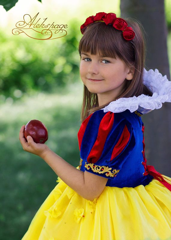 Snow White Cosplay Dress Disney Princess Costume for Halloween Disneyland or Birthday party Fantasy gown for girl kid cosplay Disney Princess #snow #white #snowwhite #dress #disney #gown #princess #outfit #clothing #halloween #ideas #beautiful #birthday #christmas #cosplay #girl #photo #disneyland #gift #toddler #fantasy #roses #headpiece #accessoires