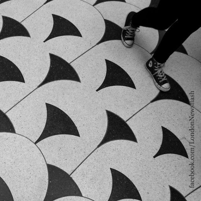 #ldn #london #uk #igersuk #ig_london #londoners #instalondon #igerslondon #londonlife #londres #londra #thisislondon #londoners  #londoner  #wanderlust #viaje #reise #travel  #instapassport #viagem #voyage  #blackandhwhite #bnw_london #monochrome #traveling #monochromatic #londonphoto #igtravel #travelgram #blackandwhitephotography #tate #art #tatebritain #pattern #marblefloor #reisen #travels #unitedkingdom #england #instagram