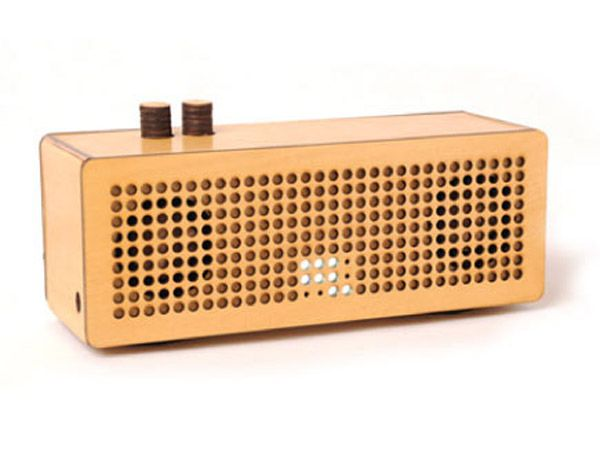 WUD: Chic Retro Radios Made From Sustainably Harvested Wood