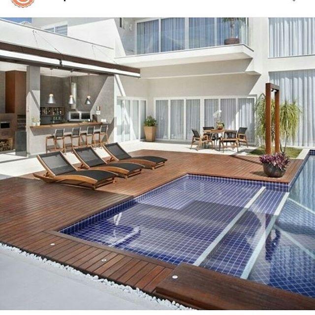 Quintal moderno! Por Angela Meza  SIGA⏩@construindominhacasaclean Veja + no blog www.construindominhacasaclean.com 👌 Se você precisa de ajuda para decorar algum ambiente, solicite uma consultoria online com 3D pelo meu e-mail casacleandecor@gmail.com #blog #decoracao #decor #decoração #arquitetura #inspiração #inspiration #organizacao #instadecor #lovedecor #construindominhacasaclean #casaclean #interiordesign #casacleandecor #lifestyleblog #blogger #digitalinfluencer #casa #home…