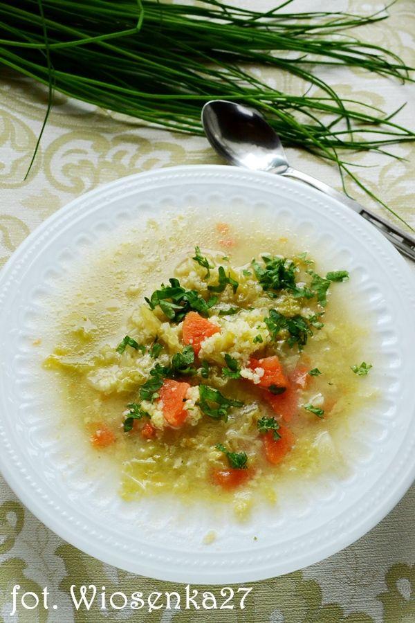 Lekka zupa z kapustą i kaszą jaglaną