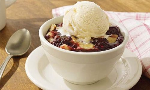 How to Make Cracker Barrel Southern Blackberry Cobbler
