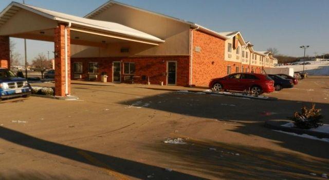 Super 8 - Potosi - 2 Star #Motels - $58 - #Hotels #UnitedStatesofAmerica #Potosi http://www.justigo.in/hotels/united-states-of-america/potosi/super-8-potosi_113803.html