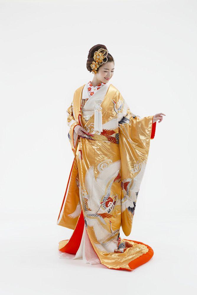 和装婚礼のススメ[スタイルブック 06]和婚のスペシャリスト「アントワープブライダル」神社挙式から色打掛 ・白無垢など着物コーディネイトやスタイリングまで、是非お任せ下さい。