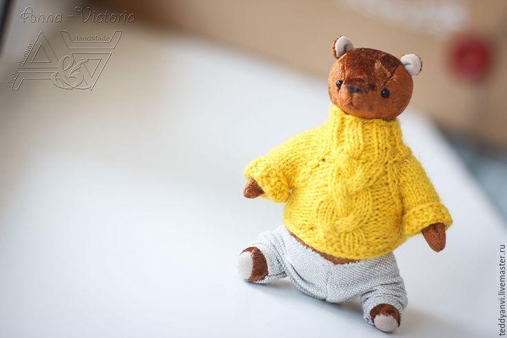 Мишка Пузатик очень любит мед, отчего у него такое вот пузико) Так же обожает теплые свитерочки, чтобы было уютно и комфортно. Еще мишутку можно назвать кругляшок)) #мишка #медведь #bear #teddy  #anvi #handmade