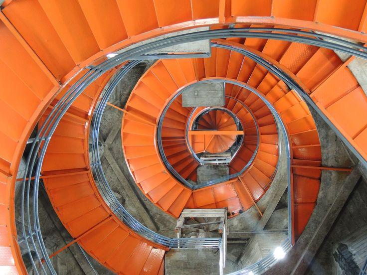 Espiral, simetría, escalera