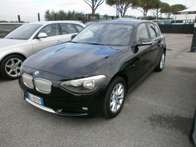 BMW 116 d 5p. URBAN LINE a 20.500 Euro   Berlina   14.500 km   Diesel   85 Kw (116 Cv)   02/2012
