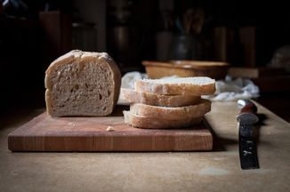 No-Knead Sandwich Bread Recipe  2 cups whole wheat flour 4 1/2 cups A/P flour