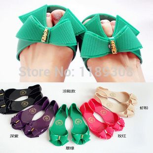 Check this product! Only on our shops   The 2014 latest super low jelly shoes women's sandals sandals and slipper candy frozen shoes boots - US $5.49 http://bagsshoescenter.com/products/the-2014-latest-super-low-jelly-shoes-womens-sandals-sandals-and-slipper-candy-frozen-shoes-boots/