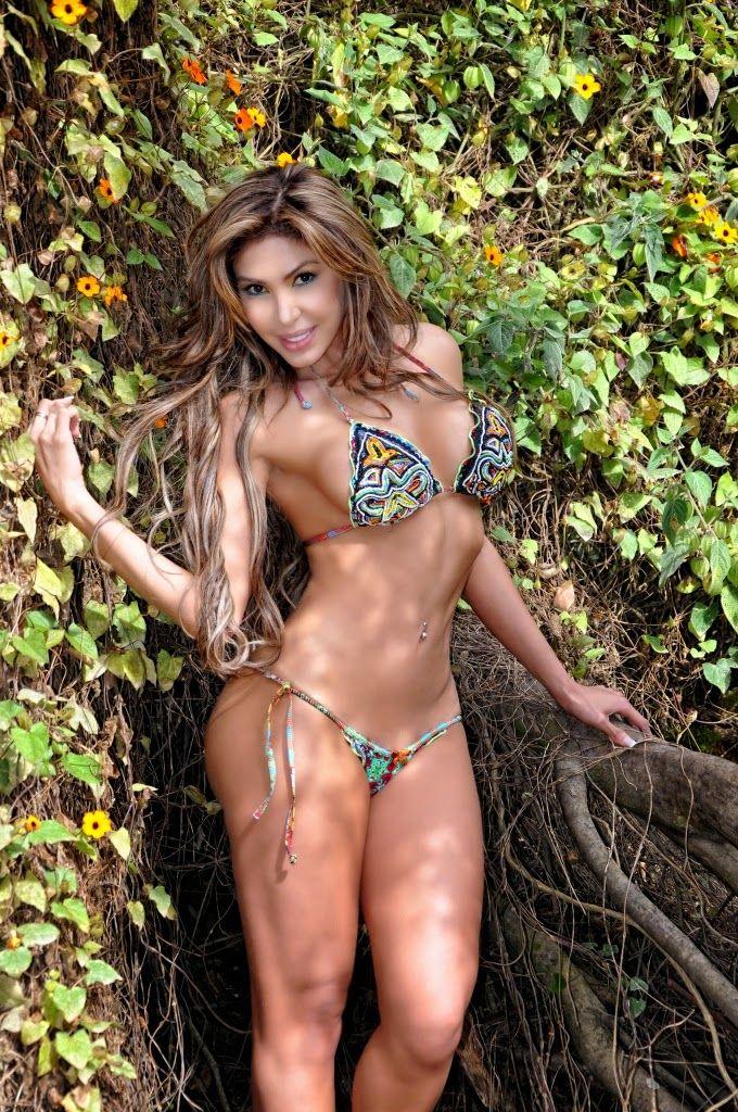 Desnuda en colombia photo 2