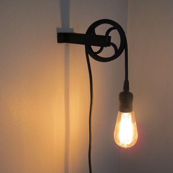Deze Lamp Maakt Een Grote Industriele Touch Aan Elke Muur Riemschijf En Beugel Zijn 3d Afgedrukt Van Een Duurzaam Pla Plastic Met Pulley Light Lamp Lamp Cord