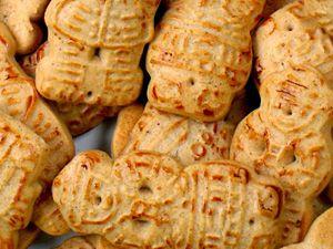 Taai-taai-poppetjes met Sinterklaas. Een recept om zelf taai-taai te maken.