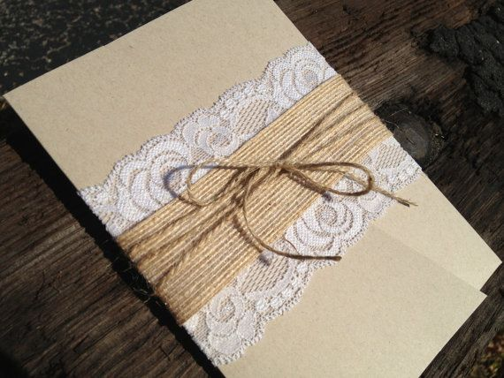Lace and Burlap Pocket Invitation, Rustic Elegance and Country Chic, Country Wedding - Laced Pocket Wedding Invitation sur Etsy, 2,79 €