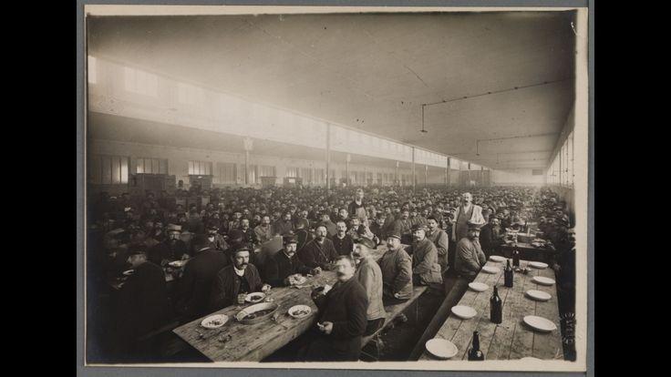 Réfectoire de l'artillerie dans les bâtiments de l'Exposition (Halle Tony Garnier). Lyon, 1915. 151075