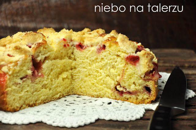 http://niebonatalerzu.blogspot.com/2013/06/ciasto-drozdzowe-z-truskawkami.html