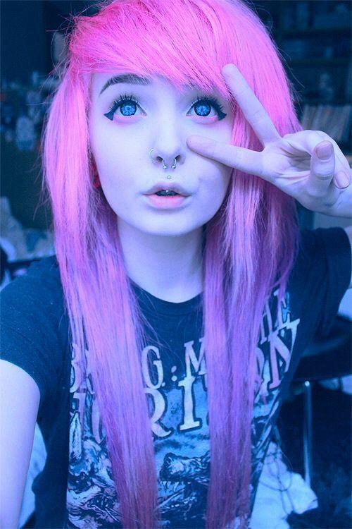 pastel goth queen- kitti milkgore