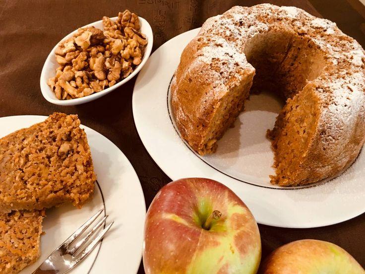 Ovsena babovka s mrkvou a gastanovou mukou #dnesjem #healthyfood # breakfast # ranajky #babovka #gastany #chestnuts  1,5 hrnceka ovsenych vlociek 1 hrncek spaldovej polohrubej muky 0,5 hrnceka gastanovej muky 3/4 hrnceka trstinoveho cukru 1 vanilkovy trstinovy cukor 1PDP 0,5 hrnceka posekanych orechov 3 vajicka, 3/4 hrnceka oleja/kokosoveho tuku, 1 hrncek bieleho jogurtu, 4 stredne mrkvy postruhane, skorica Sypke suroviny premiesat, mokre preslahat a premiesat spolu. Cesto vlia...