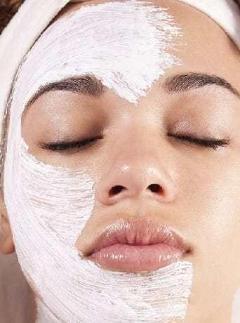 Homemade anti-wrinkle mask. Natural beta-carotene and retinol