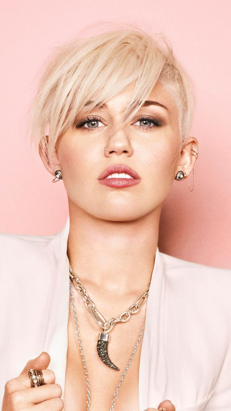 Miley Cyrus Short Hair Blonde Singer 2018 Wall In 2020 Frisuren Miley Cyrus Haare Styling Kurzes Haar