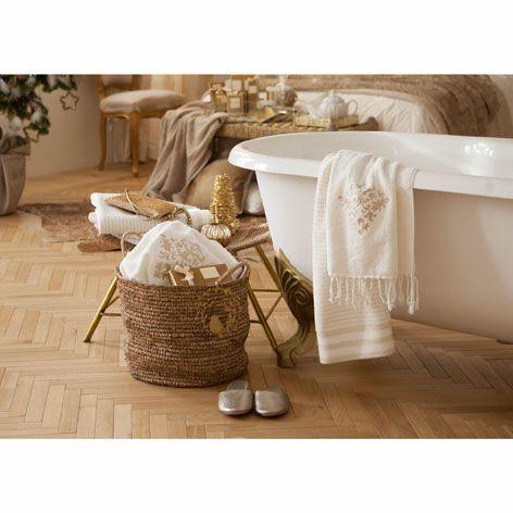 Les 67 meilleures images propos de salle de bains sur pinterest zara home design et interieur for Accessoires salle de bain zara home