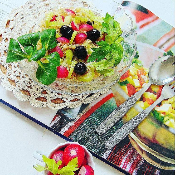 Rzodkiewki zapowiedz wiosny. Le radis  est le parfum du printemps. #healthy #healthyfood #radis #radish #instafood #instafollow #instagood #yummy #followall #fit #fitness #foodphotography #foodporn #f4f #like4like #tbt #salad #spring
