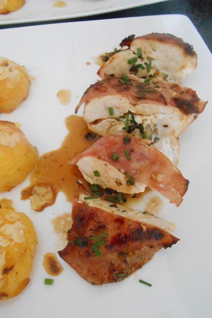 Kipfilet gevuld met geitenkaas en tijm - Brenda Kookt