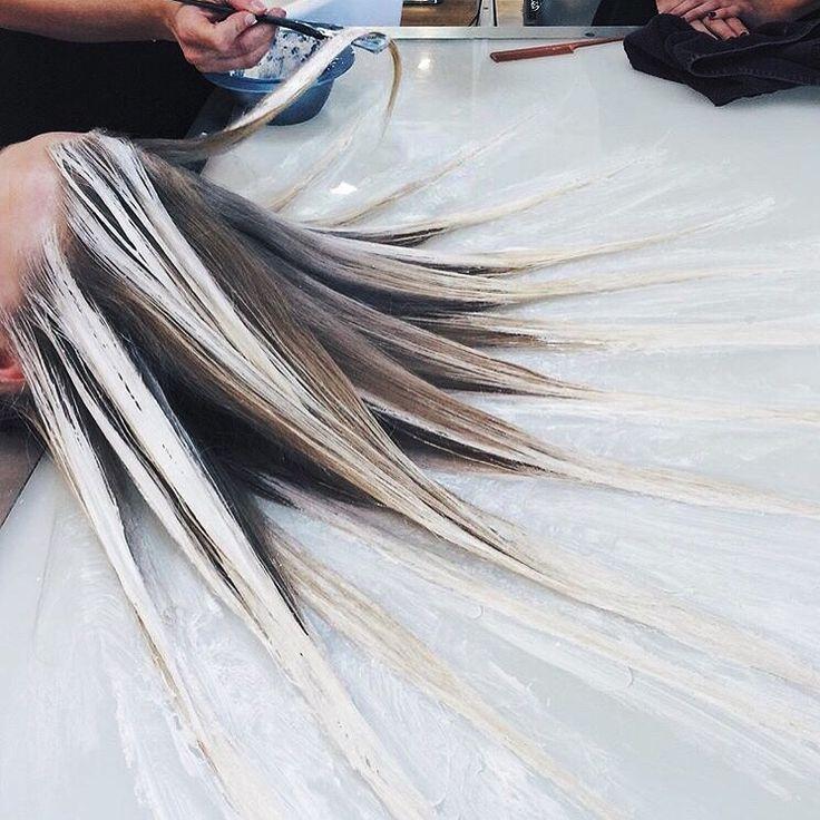 Pratique couleur Fluid Hair Painting