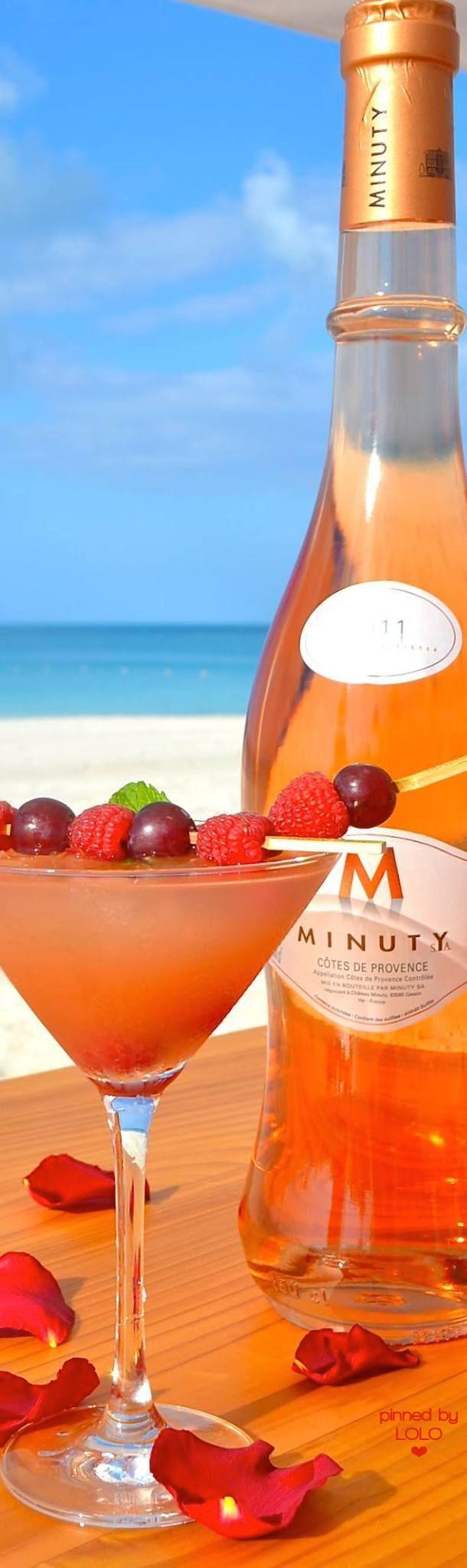 Grace Bay Club, Turks & Caicos Beach Cocktails | LOLO❤
