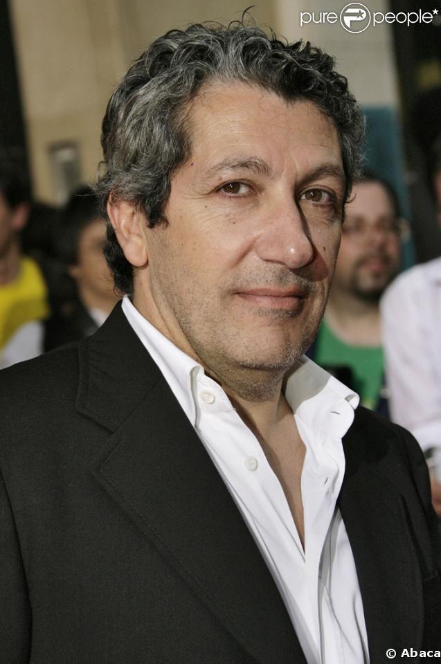Alain Chabat est un comédien, réalisateur, scénariste, producteur de cinéma français né le 24 novembre 1958 à Oran en Algérie.