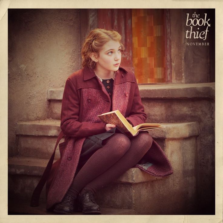 best liesel meminger images the book thief the book thief sophie nelisse as liesel meminger