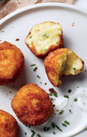 Mashed potato croquettes: The best thing to do with leftover mashed potatoes.