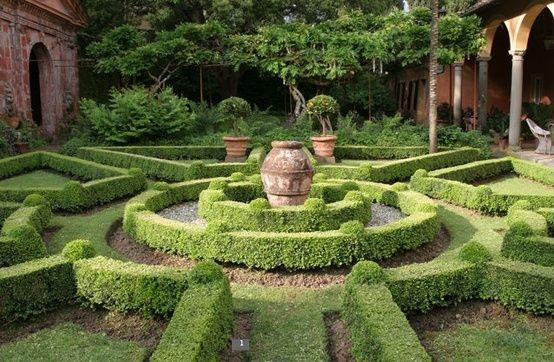 Boxwood by boxwoodborders garden design formal english for Formal english garden designs