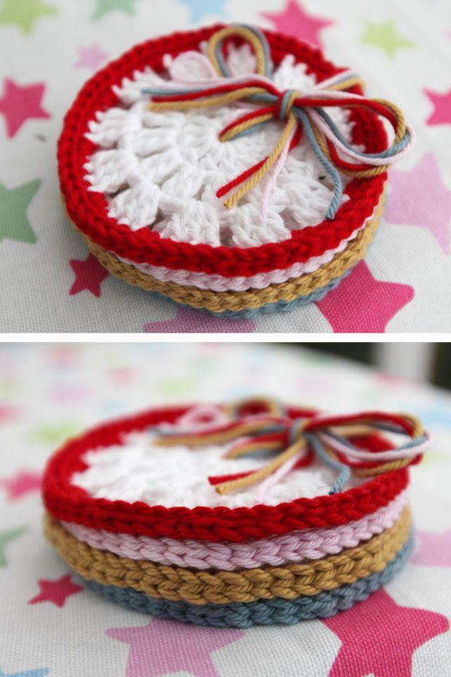 How to Crochet Coasters by Lulu Loves ❥Teresa Restegui http://www.pinterest.com/teretegui/❥