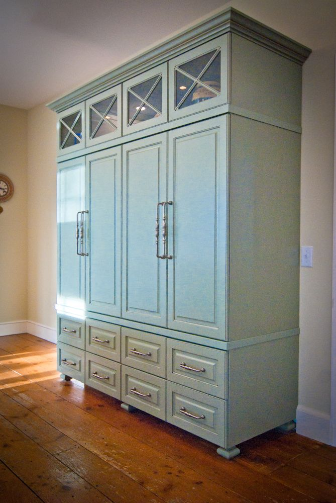 Stand alone pantry cabinet for a stand alone pantry