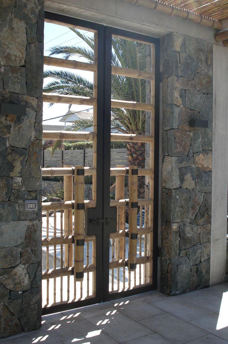 Puerta Fierro forjado y Bambú