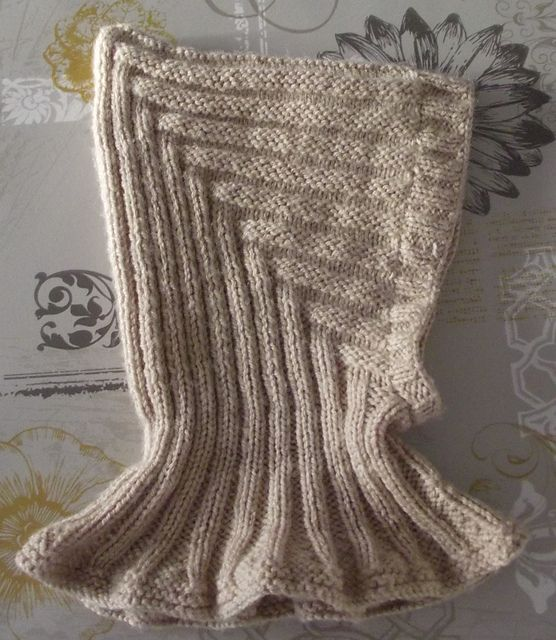 Ravelry: magilknit6's New Pixi'Jo - free pixie hat pattern with neck warmer