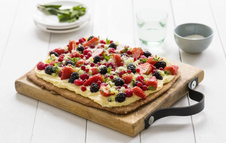 Plaatkoek met banketbakkersroom en zomerfruit recept   Dr. Oetker