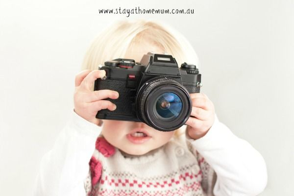 We all want to show off our baby in the best light. However, it can cost a fortune for portrait studio shots and even professional photographers can charge like wounded bulls. If you are looking …