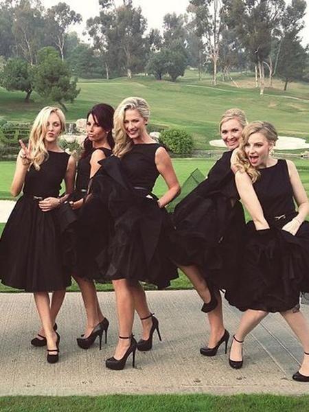 136153e3396 Popular Black Sleeveless Knee Length Bridesmaid Dresses