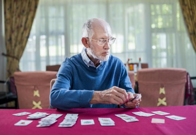 See the picks for the best solitaire card games when you have no one to play cards with, including Klondike, Pyramid, Golf, Poker, Accordion, and more.