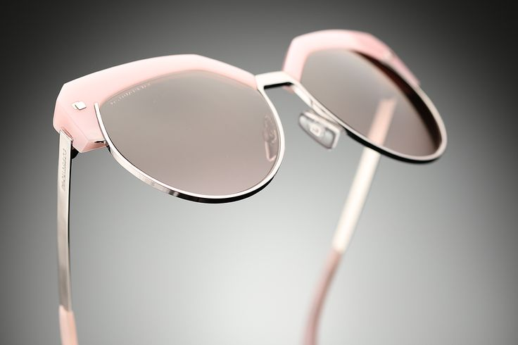 Retro and edgy in one look! Dsquared sunglasses!