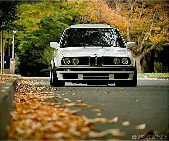 Yes it's off to the country for the weekend - byeee! BMW E30 3 series http://www.landedhouses.co.uk