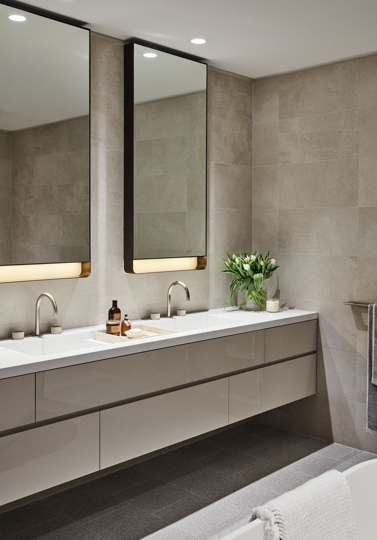 Bathroom design at Classic, East Melbourne / Bates Smart