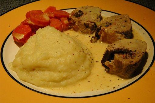 Filet mignon aux pruneaux et au lard, un plat du terroir qui en « jette » !