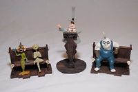 Nightmare Before Christmas Hawthorne Village Mayor Speech Scene w/ 2 benches fig