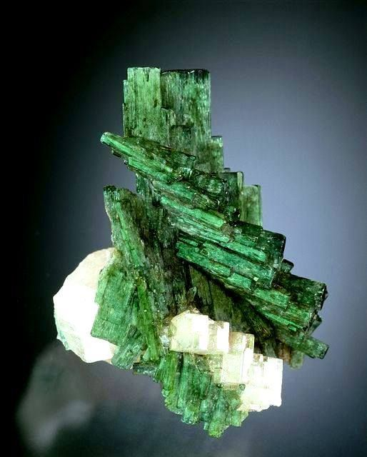 Unique shape Beryl var. Emerald with Apatite From San pablo, Penas blancas, Columbia. © Displays at The Natural History Museum of Los Angeles County